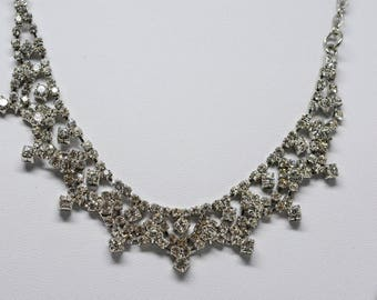 Gorgeous silver tone crystal necklace