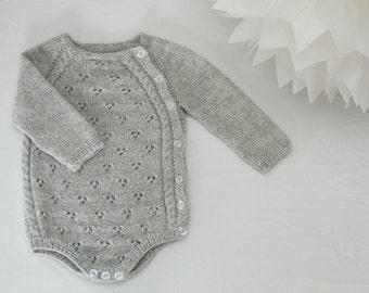 Tiriltunge Nyfødt body (Norwegian pattern)