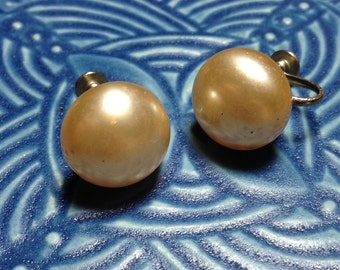 vintage earrings, imitation pearl earrings,