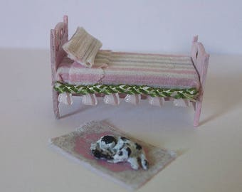 Dollhouse Bed, carpet and dog, scale 1/48
