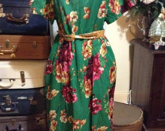 Boho hippie dress new with tags size 4XL green with bold floral pattern loose fit by ZANZEA
