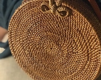 Rattan Bag Round Bag Straw Bag with Woven Bow, Bukle Closure Natural Handwoven Bali  Ata Grass Shoulder Bag Leather Strap