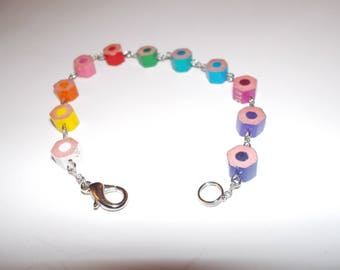 Multicolor bracelet with colored pencils - inspired school