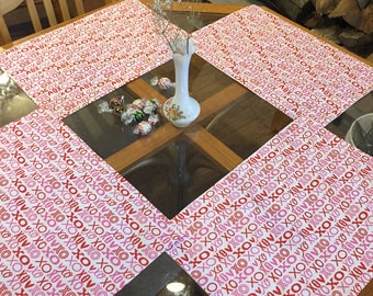 Valentine's Day place mats, hugs and kisses, x's and o's, set of 4 placemats