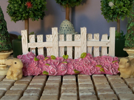 Fairy Garden Fence Dollhouse Miniature White Picket Fence With Pink Roses Mini  Garden Decor Resin Fence Free Standing Double Sided From 4MsHeartsDesire On  ...
