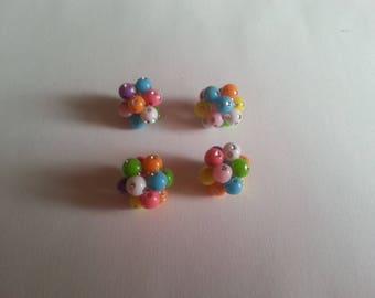 1 set of 4 balls of acrylic beads with Rhinestone balls made by myself.