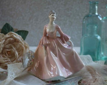 Lovely Coalport 'Tracy' Fine China Figurine. In very good condition.