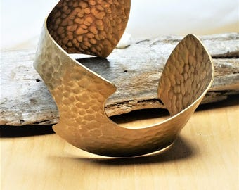 Vintage Wave Cuff Bracelet in Hammered Brass