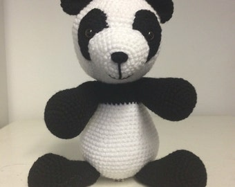 Panda hand crochet