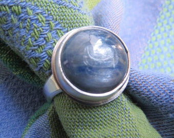 Round Icy Blue Kyanite in Classic Argentium Ring Size 9 & a Half