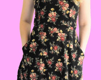 Sweetheart Strapped Pocket Dress - Floral pattern