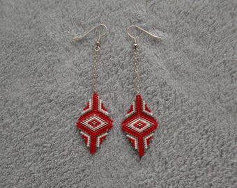 boucles d'oreilles losange rouge, boucles d'oreilles tissée , perles miyukis , boucles d'oreilles noël , rouge noël, cadeau pour femmes