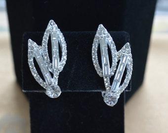 Beautiful Vintage Rhinestone Leaf Clip Earrings, Wedding (G15)