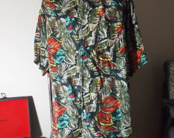 Cool Slouchy 1980s / 80s Mens Vintage All Over Multicolour Tropical Floral Graphic Print Oversized Playboy Party Short Sleeve Shirt {XL}