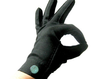 Vintage Gloves in Black with Button Detail at Wrist / Crescendoe Gloves Size 6.5
