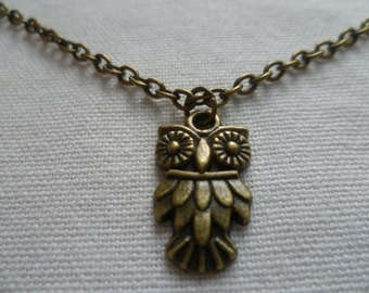 Owl necklace,bronze owl necklace,bird necklace,owl jewelry,charm necklace,gift,handmade,bird jewelry,woodland,small owl,simple jewelry