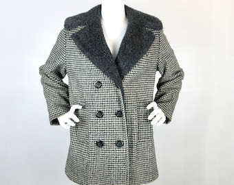 Vintage 1950s - 1960s Womens Coat / Black and White / Houndstooth Check / Fleece Lining / Warm Winter / Peacoat, Double Breasted / Sz Large