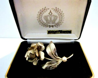Vintage Cultured Pearl Brooch Gold Rose Brooch Gift for Her Gift for Mom Gift under 15 Jewelry Gift Idea