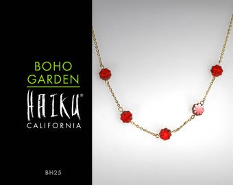 Boho Garden by HaikuCalifornia: Red daisy flowers necklace with gold chain.