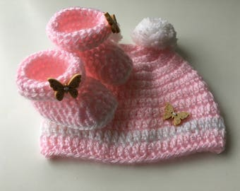 Newborn baby gift, Crochet baby shoes, Crochet booties, Handmade booties, Pink booties, Handmade baby shoes, Baby shower gift, Baby hat