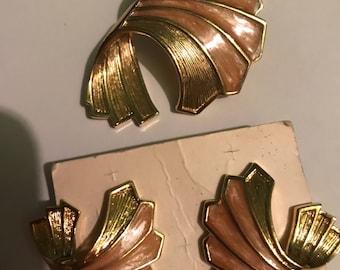 Vintage earring/ Pendant set, goldtone, Classy!