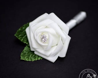 White boutonniere, wedding boutonniere, men boutonniere with white rose and silver gem and leaves, prom boutonniere, lapel flower