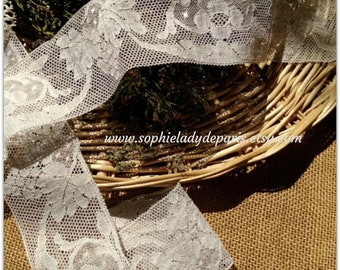 19th C. French Bobbin Lace Braid Flowers and Grapes Cotton Lace Sewing Project Collectible #sophieladydeparis