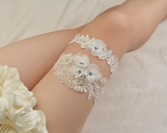 off white bridal garter,off  white lace garter, wedding garter set, bride garter,vintage garter, beaded garter,garters for wedding