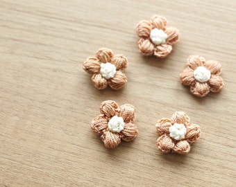 5 pcs of brown crocheted flowers, 17mm