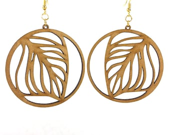 Wooden leaf motif earrings