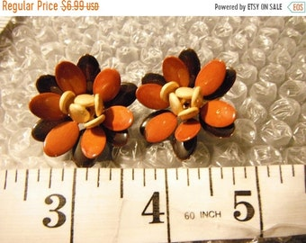 REOPEN SALE Hues of Brown Enamel Flower Clip Earrings,Gold Tone, Good Condition/Used!   {F}