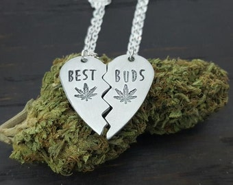 Best Buds Broken Heart Neckalce Set