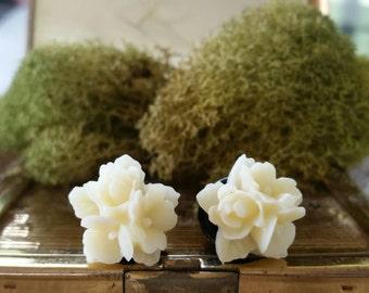 Flower Plugs, Wedding Gauges, Cream Flower Gauges