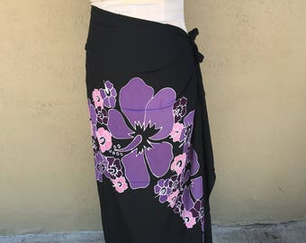 Black, purple and pink premium pareo. Fringeless. Tahitian pareo. Hibiscus print