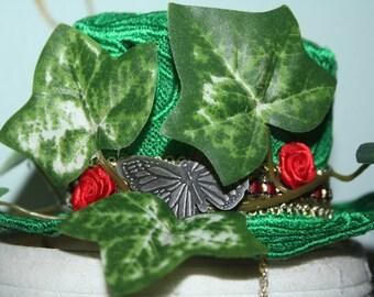 Poison Ivy Lace Mini Top Hat
