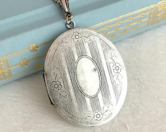 Large Oval Locket Necklace, antique silver locket, engraved locket pendant, romantic gift, gift for her, vintage locket, photo locket
