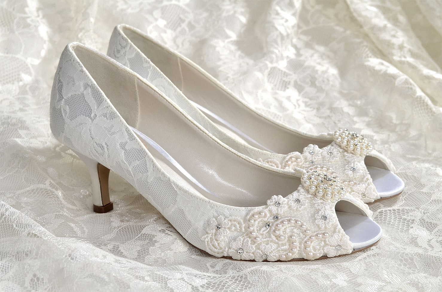 Wedding shoes medium heels custom colors vintage wedding for Low heel dress shoes wedding