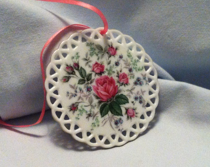 Vintage Porcelain Plate glass rose Decoration Object