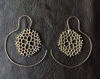 Honeycomb spiral hoops- gold