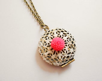 locket necklace - medallion locket pendant necklace - cabochon necklace - flower cabochon necklace - photo necklace - flower charm