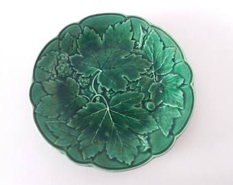 Antique green majolica leaves plate | leaf relief plate, emerald green