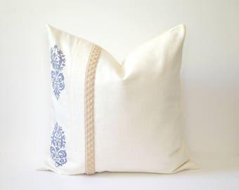 Motif Pillow Cover