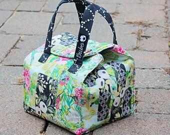 Bento Box Reusable, Insulated Lunch Bag, BPA Free, new waterproof lining, Food Friendly,  Pink roses, hummingbird, Art Galley Fabrics