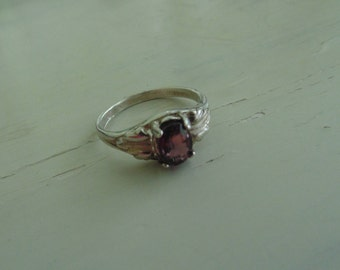 Vintage Garnet Ring in Sterling Silver Band Size 7