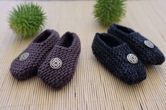 SALES - Baby slippers in pure merino wool - chocolate brown OR charcoal - 0/3 months