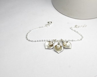 Three Calla lily bracelet, three sisters gift. 3 daughter bracelets ,three best friends bracelet wedding,Gift for three  bridesmaid gift