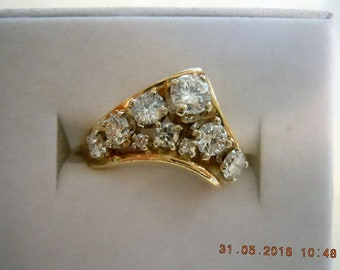 V Shaped Ring 14K - .84 cts - G & GH color center diamond .24 cts