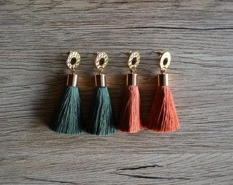 Gold top tassel earrings