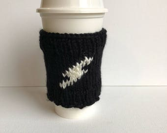 Lightning Bolt Travel Mug Sleeve - coffee cup cozy - knit cup cozy - water bottle cozy