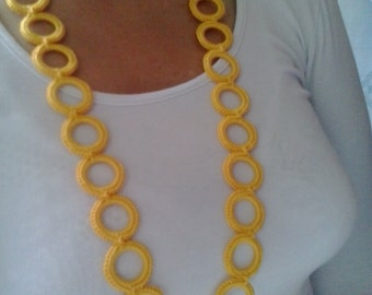 Yellow crochet necklace with rings